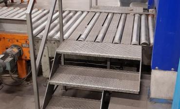 Création pont de passage sur convoyeur a rouleaux